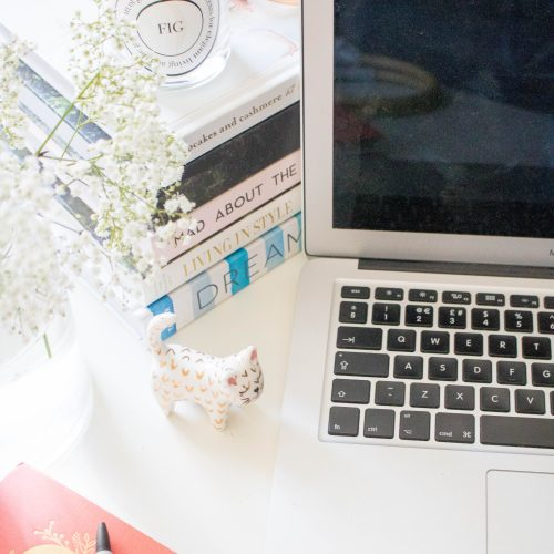 How to Push Yourself with Blogging When You're Feeling Demotivated