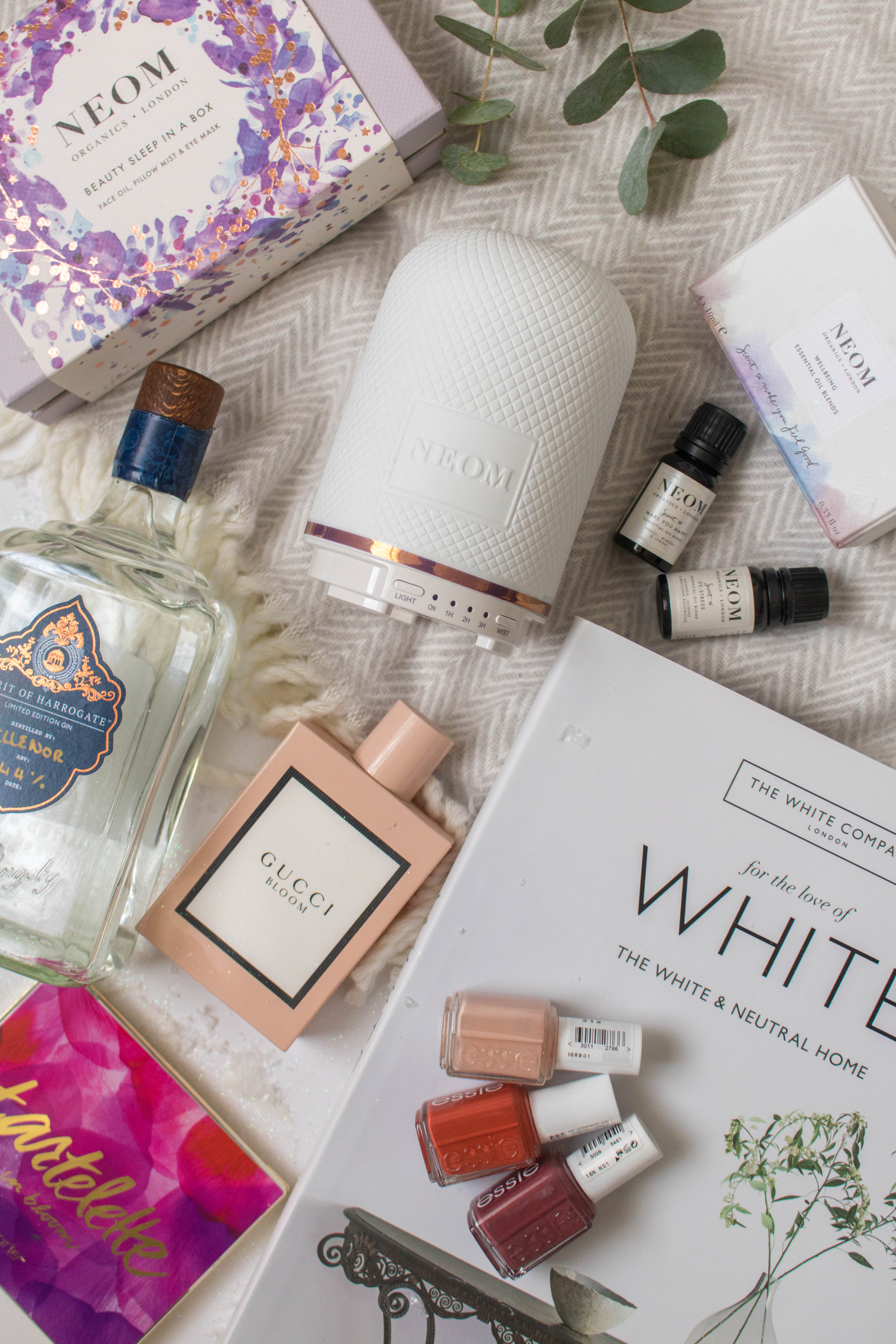 an edited lifestyle holiday gift guide for her