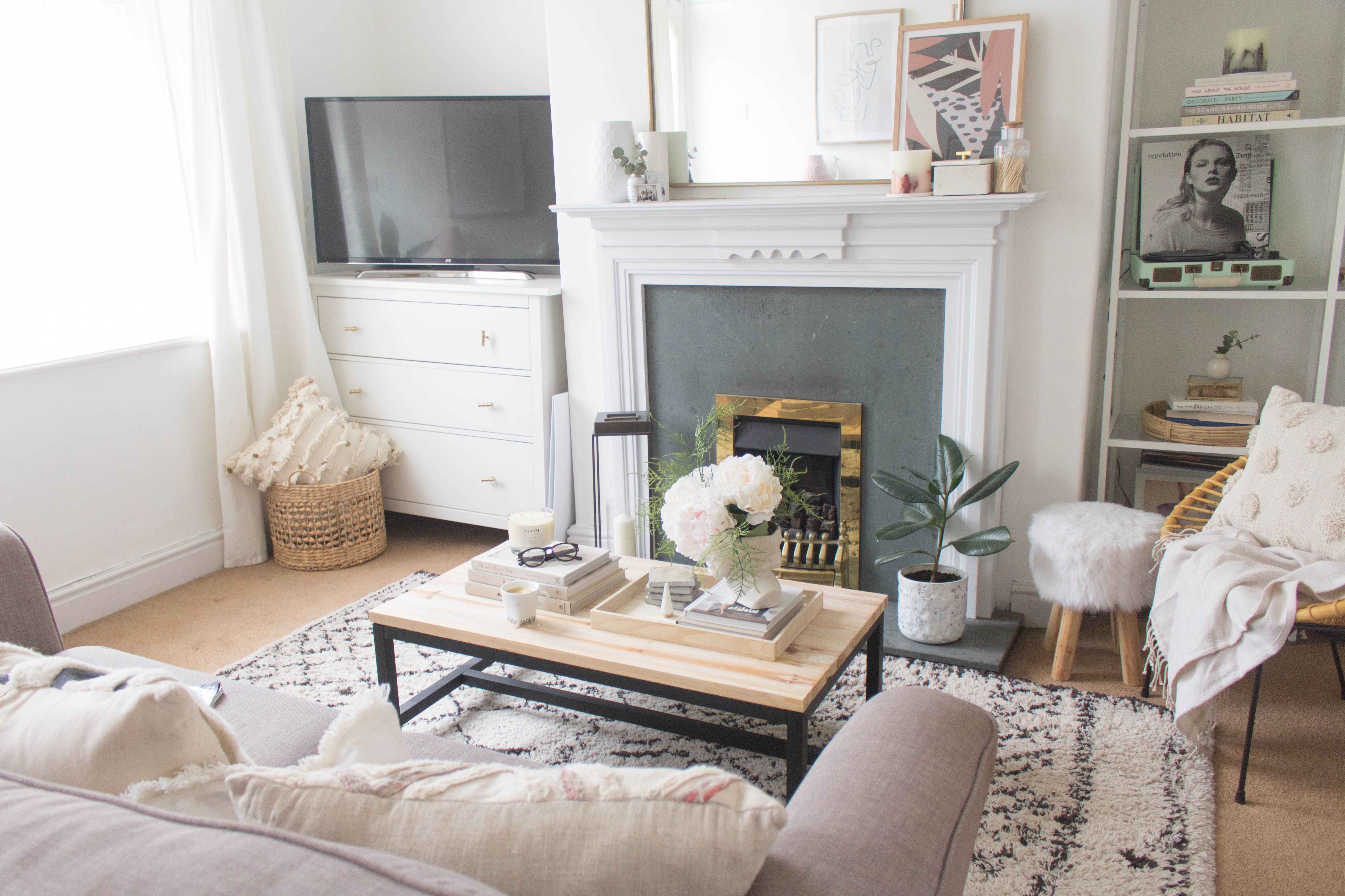 5 Ways To Make Your Small Living Room Feel Bigger An Edited