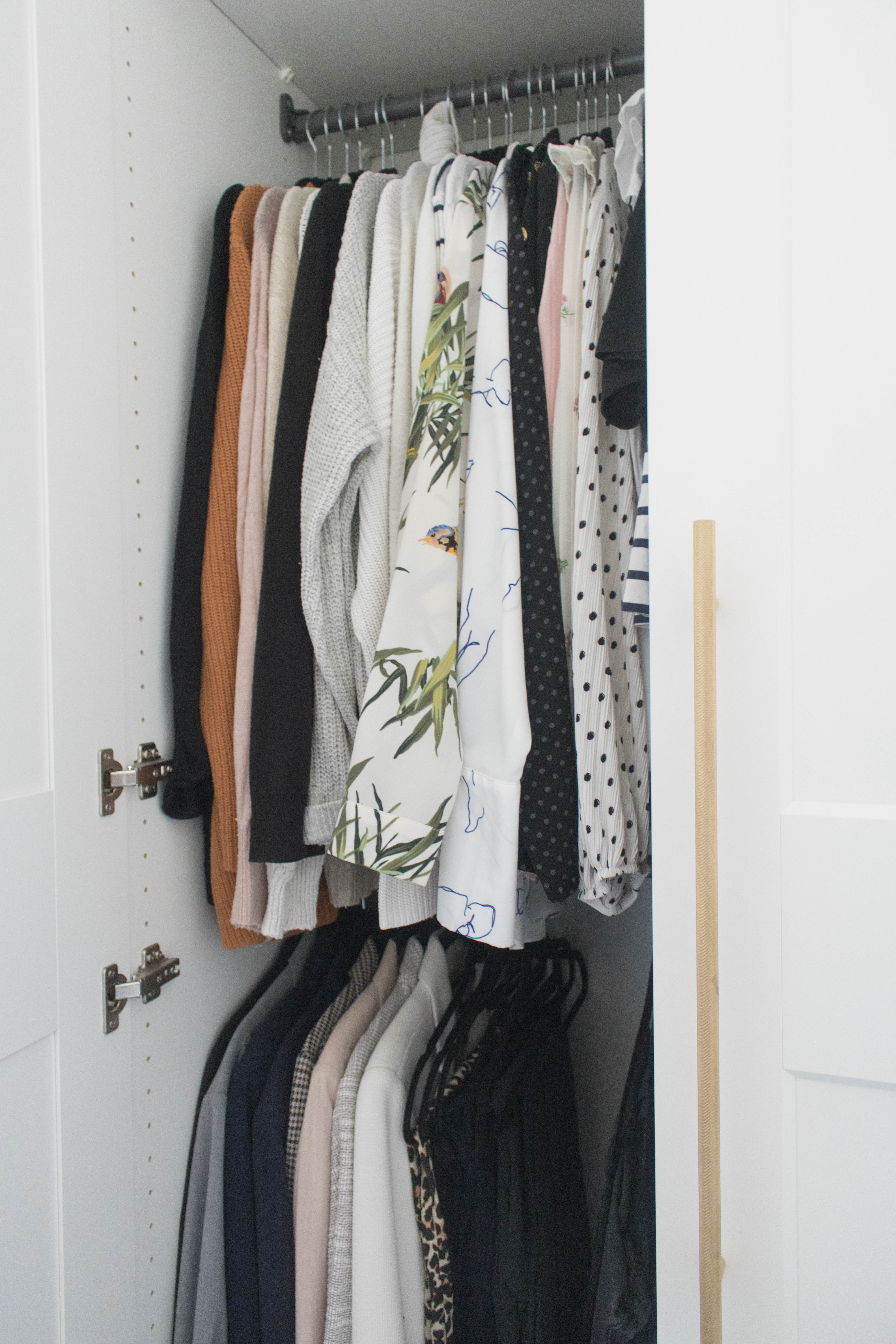 an edited lifestyle organising your closet