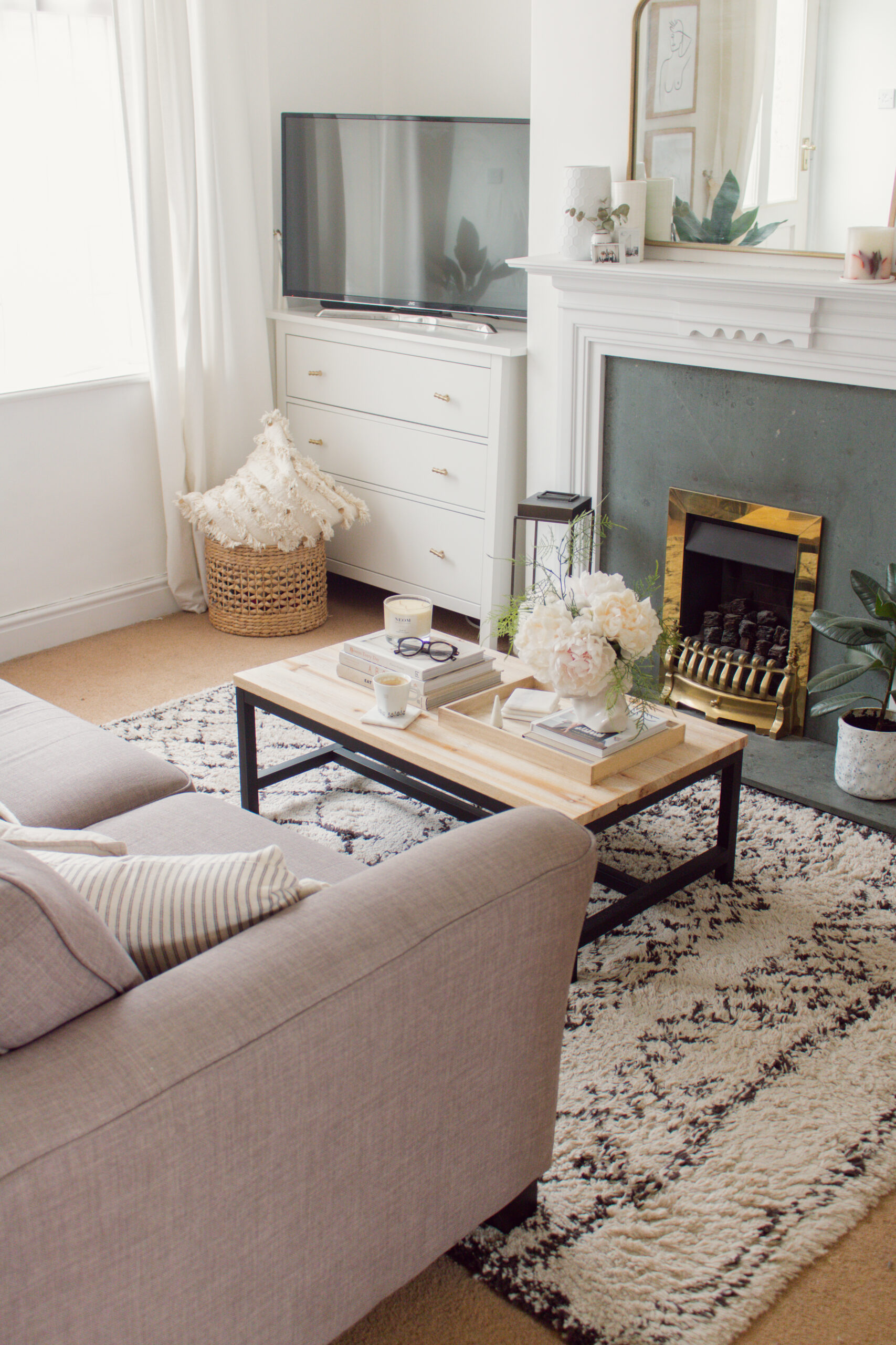 an edited lifestyle organisation decluttering