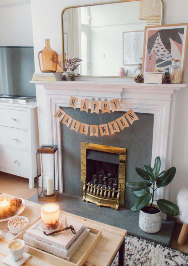 Decorating My Fireplace for Autumn